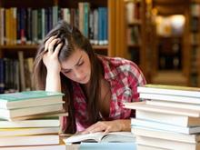 Nauka do egzaminu - studentka