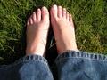 Domowe sposoby na opuchnięte stopy