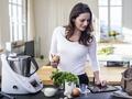 Zdrowa na pełny etat, czyli jak przygotować lekkie i zdrowe posiłki do pracy