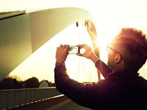 Chroń oczy PRZED PROMIENIOWANIEM UV !