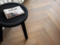 Jak wybrać materiał na podłogę? Przewodnik krok po kroku