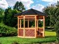 Budujemy altanę, czyli jak stworzyć zaciszny kącik w swoim ogrodzie
