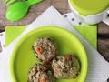 Aromatyczne gotowane pulpeciki z warzywami i pełnoziarnistą kaszą, bez jajka i bez bułki tartej - dla dzieci po 12 miesiącu.