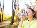 Jeden suplement dla odporności i urody – warto go pić jesienią