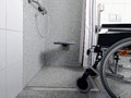 Łazienka bez granic – dlaczego warto wybrać odpływ liniowy