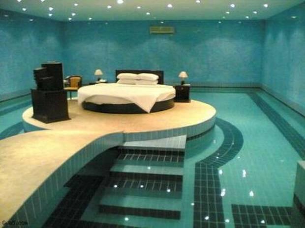Sypialnia na basenie